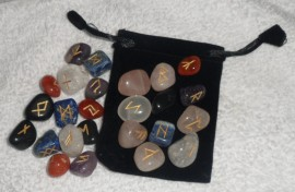 25 Piece Futhark Mixed Gemstone Rune Set